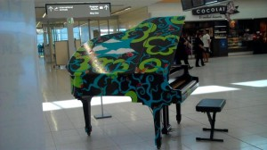 Piano_in_adelaide_airport