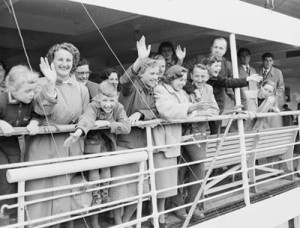 Immigrants arriving in Oz